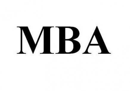 大龄职场人士适合报读免联考MBA?
