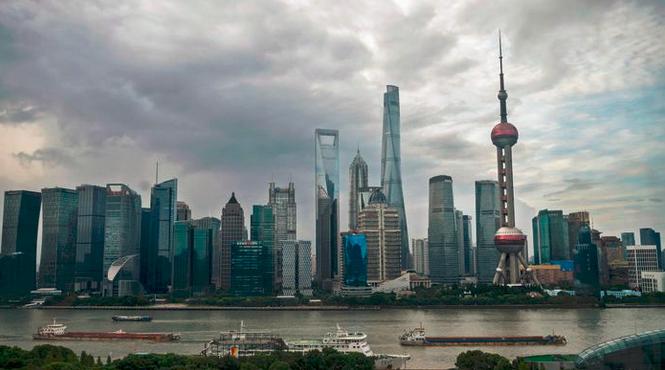 """""""四问""""后疫情时代的中国经济"""